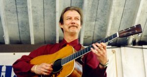 Tony Rice, Bluegrass Innovator With a Guitar Pick, Dies at 69