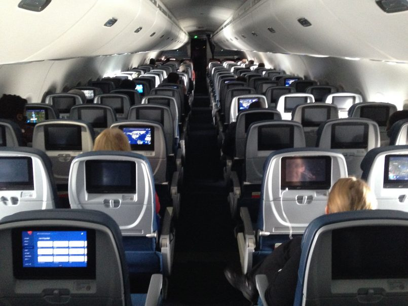 open-middle-seats-could-reduce-covid-exposure-of-maskless-passengers