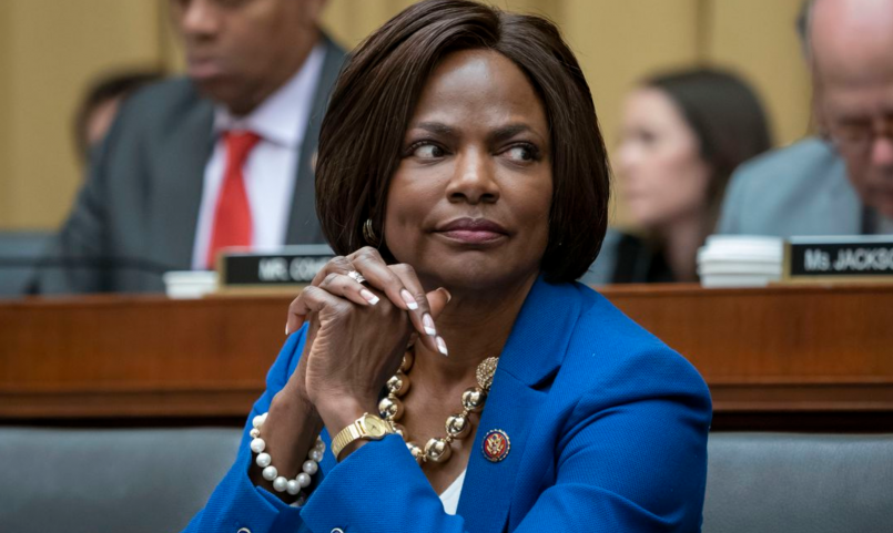 democrat-breaks-with-her-party-drops-hard-truth-concerning-makhia-bryant-shooting