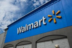 walmart-drops-store-mask-requirement-for-vaccinated-customers-employees
