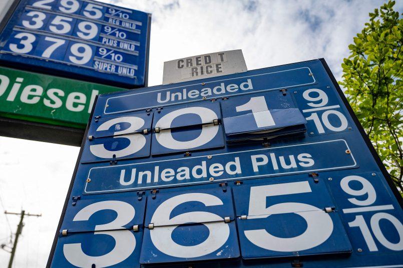 national-average-for-gasoline-tops-3-a-gallon-amid-pipeline-shutdown