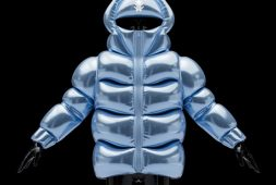 helium-10000-is-a-10000-gas-filled-jacket-that-floats-like-a-balloon
