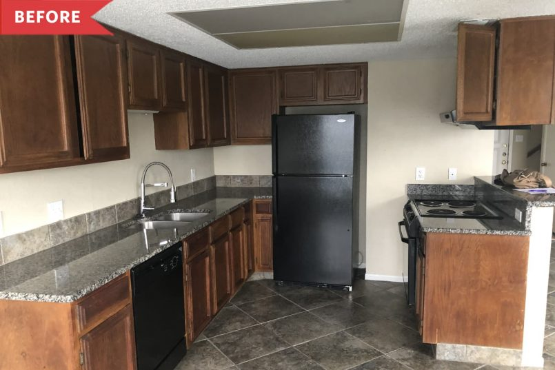 black-and-white-beachy-kitchen-redo