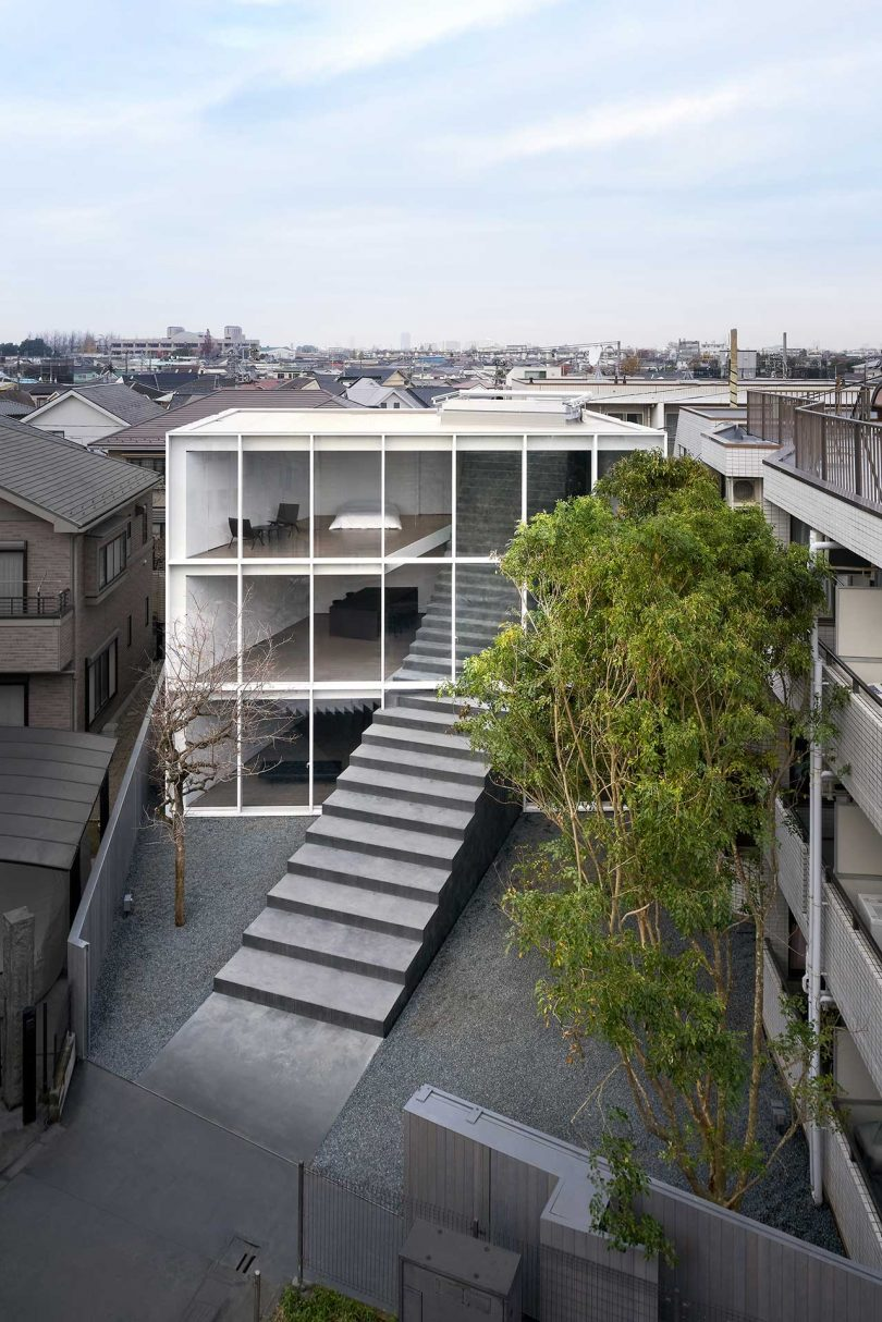 a-minimalist-tokyo-home-with-a-sculptural-stairway-connecting-three-floors