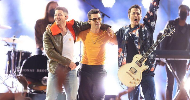 jonas-brothers-billboard-music-awards-2021-performance-video