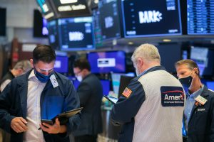 Stock futures flat after S&P 500 hits new high, despite rising inflation