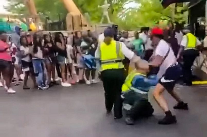 watch-chaos-breaks-out-at-six-flags-st-louis-over-stolen-turkey-legs