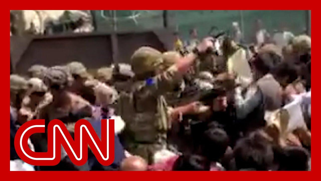 watch-chaos-unfold-at-kabul-airports-north-gate