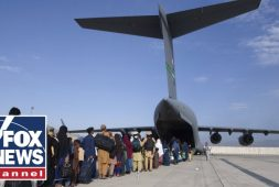 us-troops-injured-in-suicide-bombing-attack-at-kabul-airport